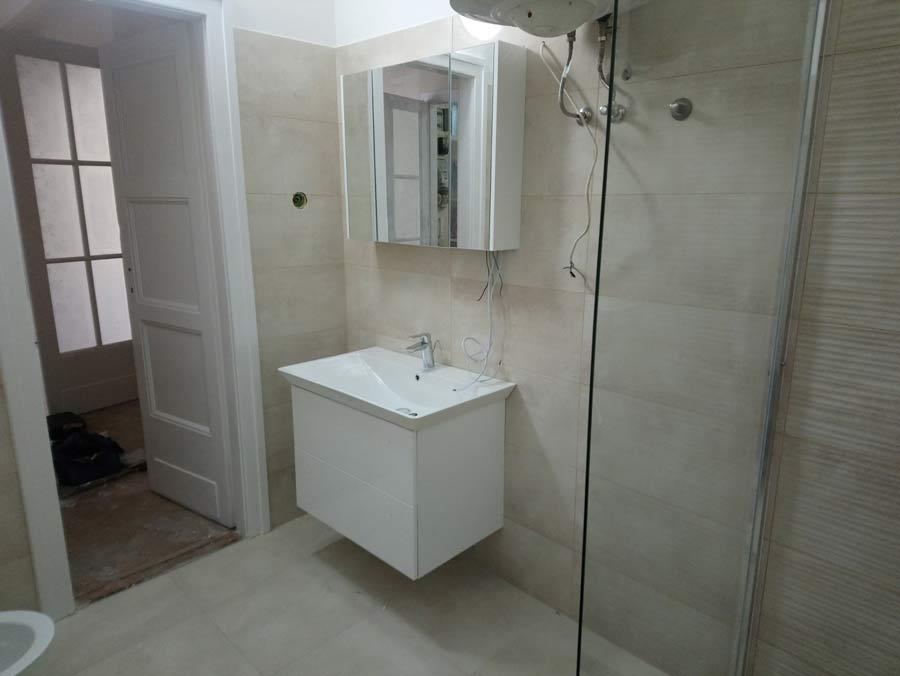 Fürdőszoba felújítás utáni kész állapotban